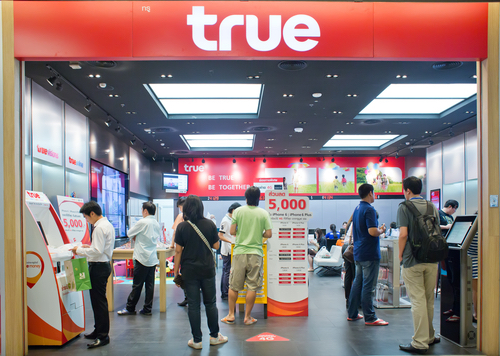 True overtakes dtac as 2nd largest thai operator mobile for Teure mobel