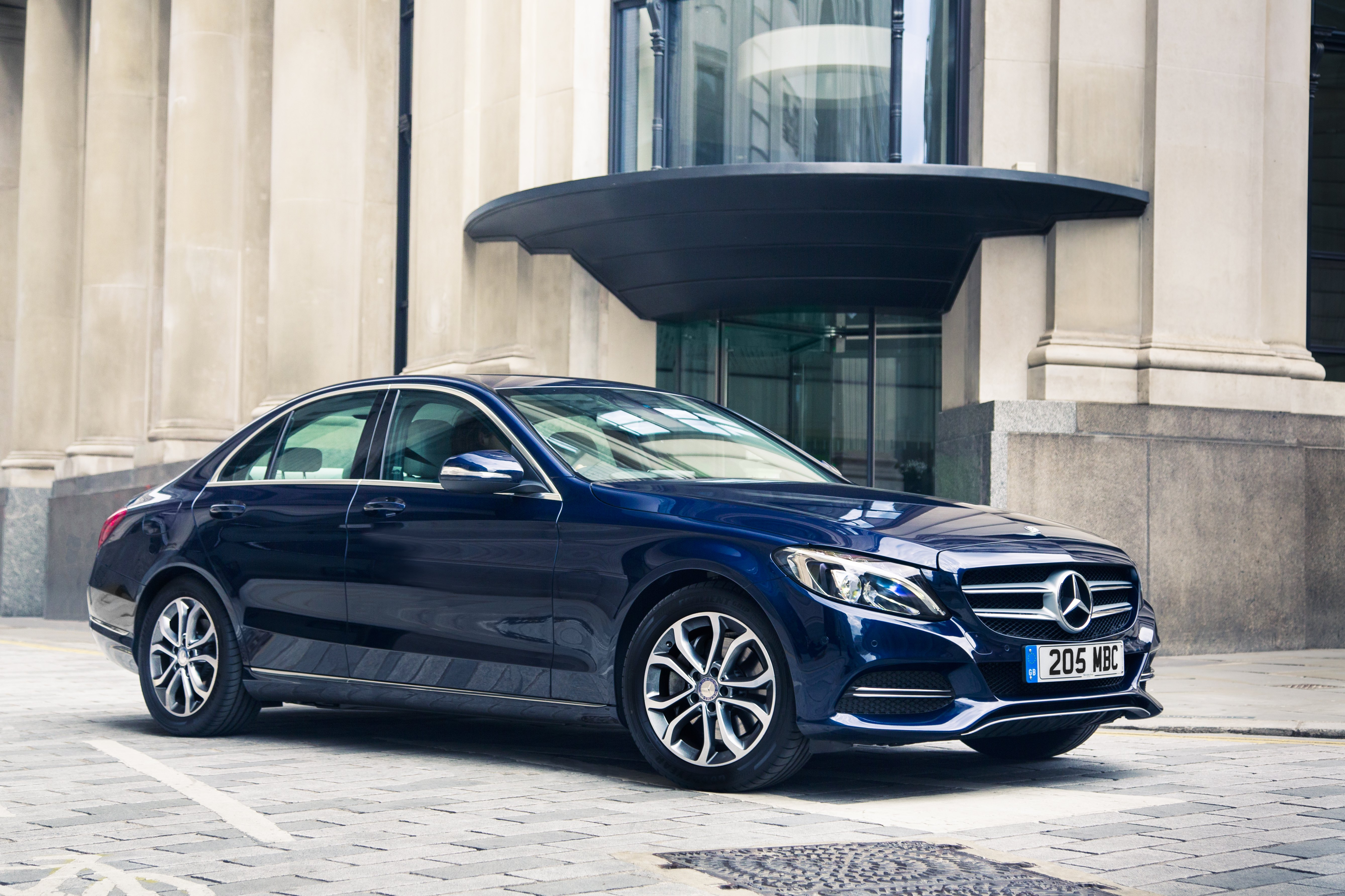 Daimler buys paycash plans mercedes brand e wallet mobile world live