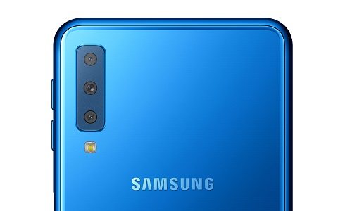Samsung vies for triple crown with Galaxy A7